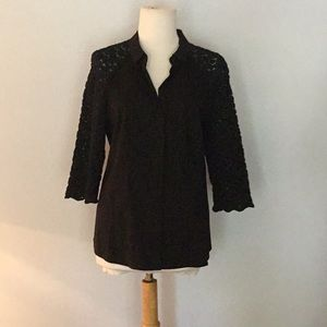Lafayette 148 sz 8 lace shoulder/sleeve top